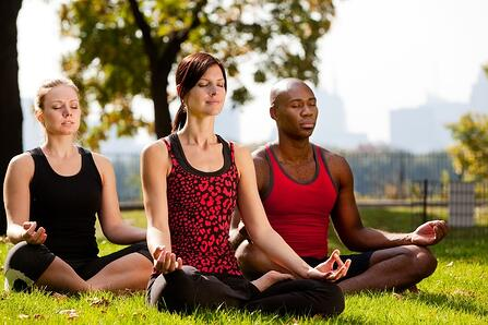 Yoga in the park_med